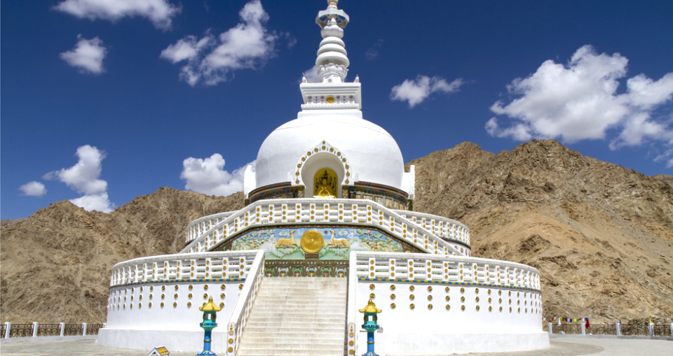 shanti-stupa-near-leh-ladakh-india